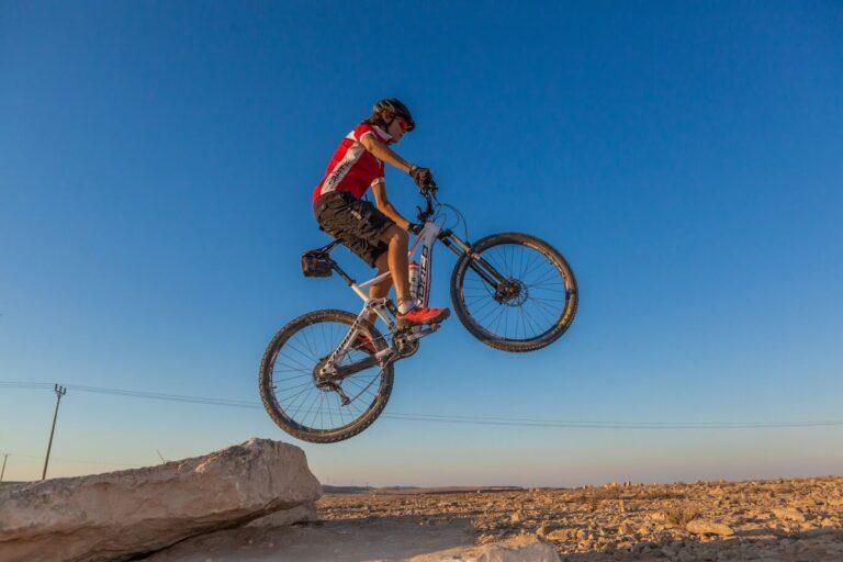 מצפה רמון פעילות-אופניים קרדיט איתמר שיקלר
